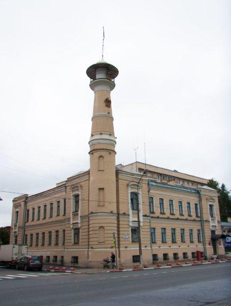 Пожарная каланча на Большеохтинском проспекте, построенная в 1898 году