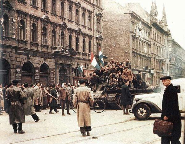 Возможно, Венгрия вошла бы в историю как первая страна Варшавского договора, сумевшая освободиться от диктата СССР. Однако международный баланс сил спутал все карты