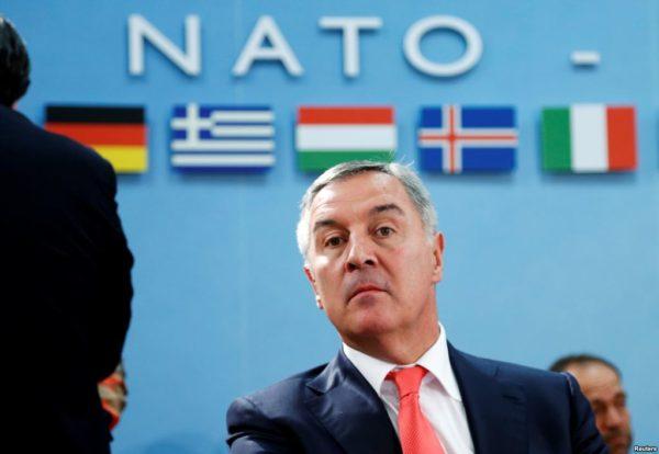 После крушения режима Милошевича Джуканович стал, с одной стороны, придерживаться западной ориентации, а, с другой - сделал ставку на чувство черногорской идентичности