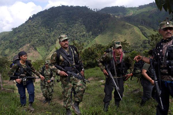 Колонны и фронты (за этими громкими наименованиями скрывались отряды в десятки или сотни человек) устраивали засады на солдат и полицейских, убивали и изгоняли правительственных чиновников и латифундистов, передавая землю крестьянам / фото  Associated Press