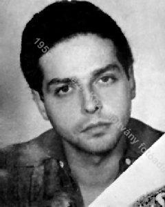 22-летний Роберт Бан - Сын еврея-коммуниста, сам - демократ-антикоммунист