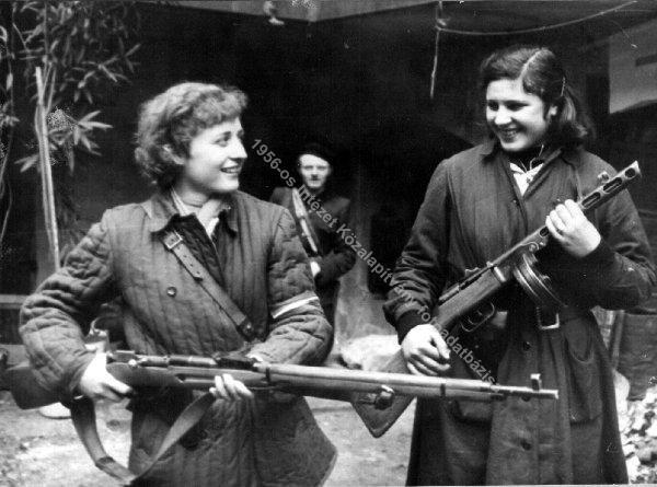 """Каталин Стикер вернулась в Венгрию в 1957-м, поверив Яношу Кадару, заявлявшему: """"Кто не против нас, тот - с нами!"""". Но ей не простили участие в восстании и повесили. На фото: Слева - Каталин Стикер, справа - Мария Витнер."""