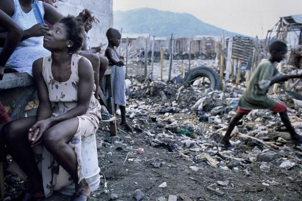 На соседнем с Кубой острове есть государство Гаити. Это — одна из самых криминальных стран в мире. На Гаити процветает сексуальное насилие и нищета
