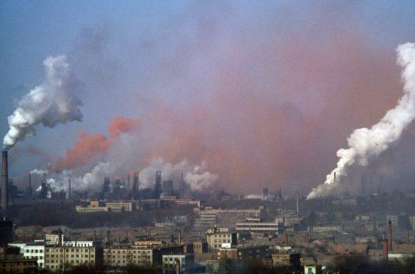 В 44 городах России (20% от общего числа городов), где проживает 17% населения страны (примерно шестая часть), в 2015 году загрязнение воздуха оценивалось как высокое и очень высокое