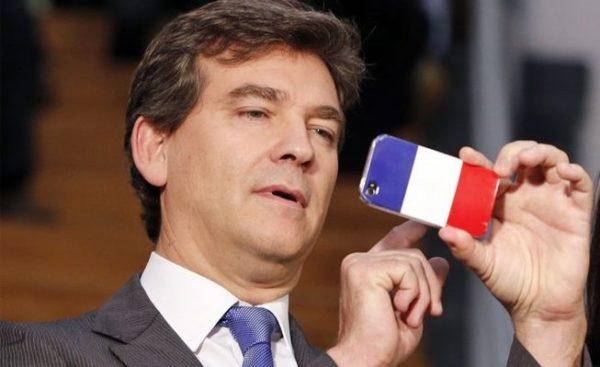 Арно Монтебур в большей степени играет на социал-патриотической, антиглобалистской площадке, обещая сторонникам социалистов возродить и перестроить Францию