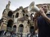 WCENTER 0SKKBDQHDP                ©Lapresse 13-10-2010 Roma, Italia Cronaca Blitz degli studenti di ingegneria dell'universita La Sapienza al colosseo esponendo uno striscione contro il decreto Gelmini